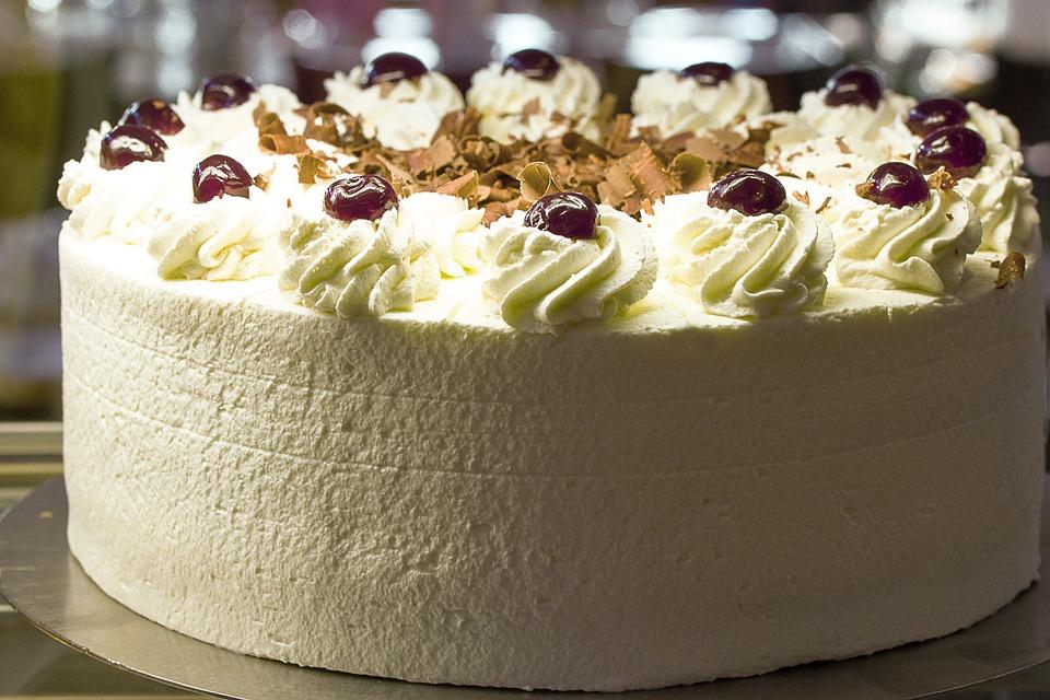 Mmmmm yummy cake!!!