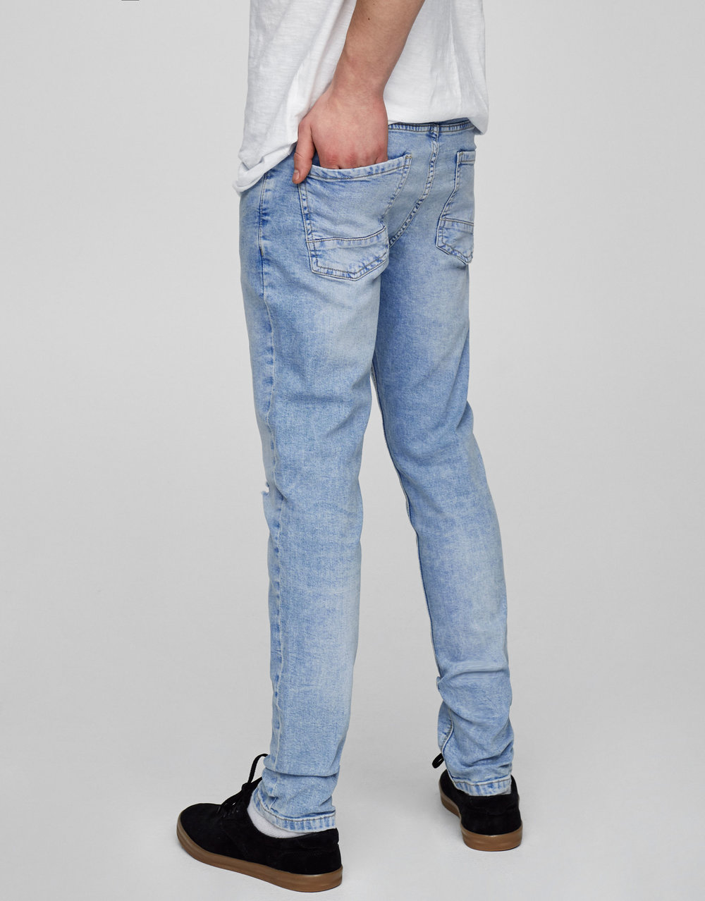 pull_and_bear_light_blue_skinny_jeans2.jpg