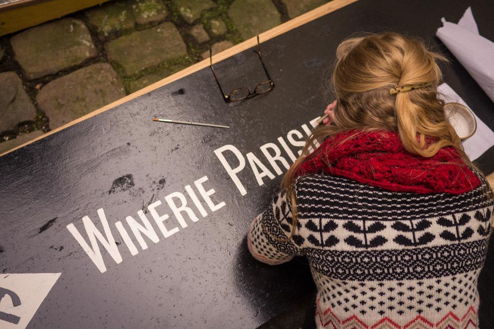 lettrage winerie parisienne devanture atelier loic phil amandine delaunay