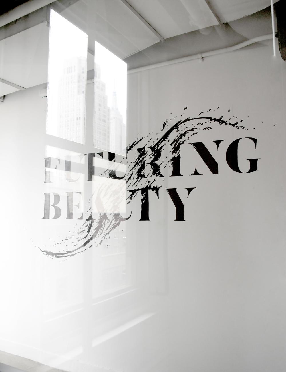 amandine delaunay claire-lise bengué fresque typographie lettrage liquide splash parfum cosmétiqueillustration poudre beauty lab new york manhattan