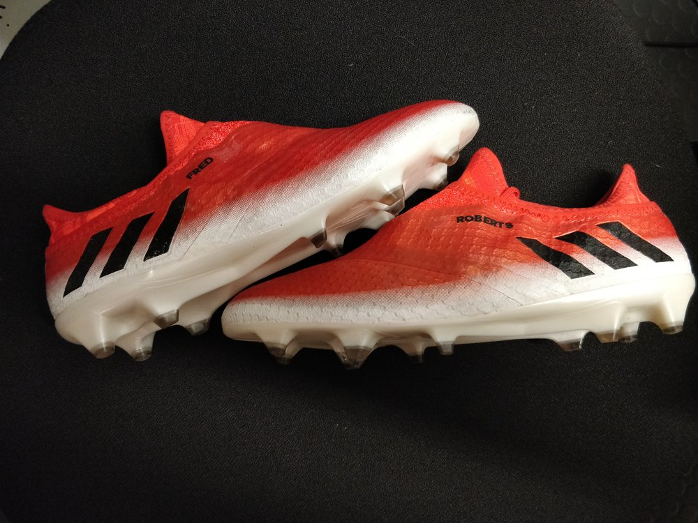 Adidas Messi. Size 8.jpg