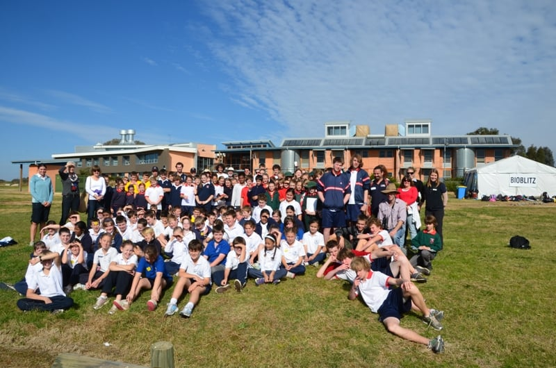 Thurgoona BioBlitz 2012_school group.jpg