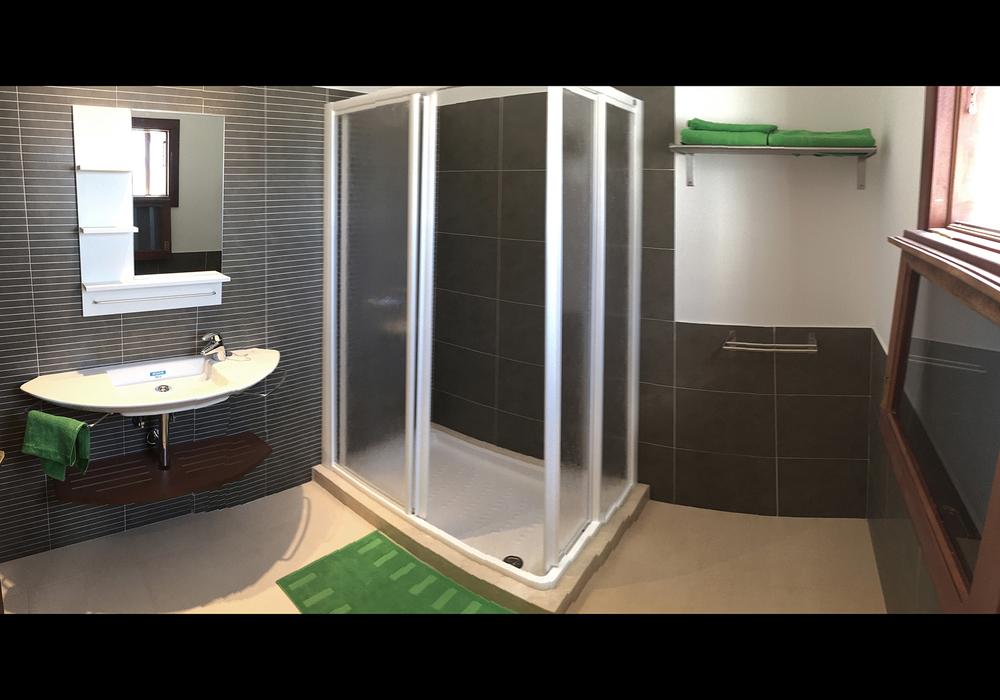 Baño principal / main bathroom
