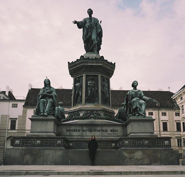 #travel #travelphotography #vienna #austria #palace #monument #petiepizarro #statue #europe #vsco #sonya7sii