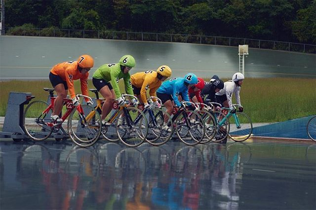 2/3 - Keirin 13 by @jaz_wins ... Visit: https://www.printsforrefugees.com/new-products/keirin-by-jasper-clark