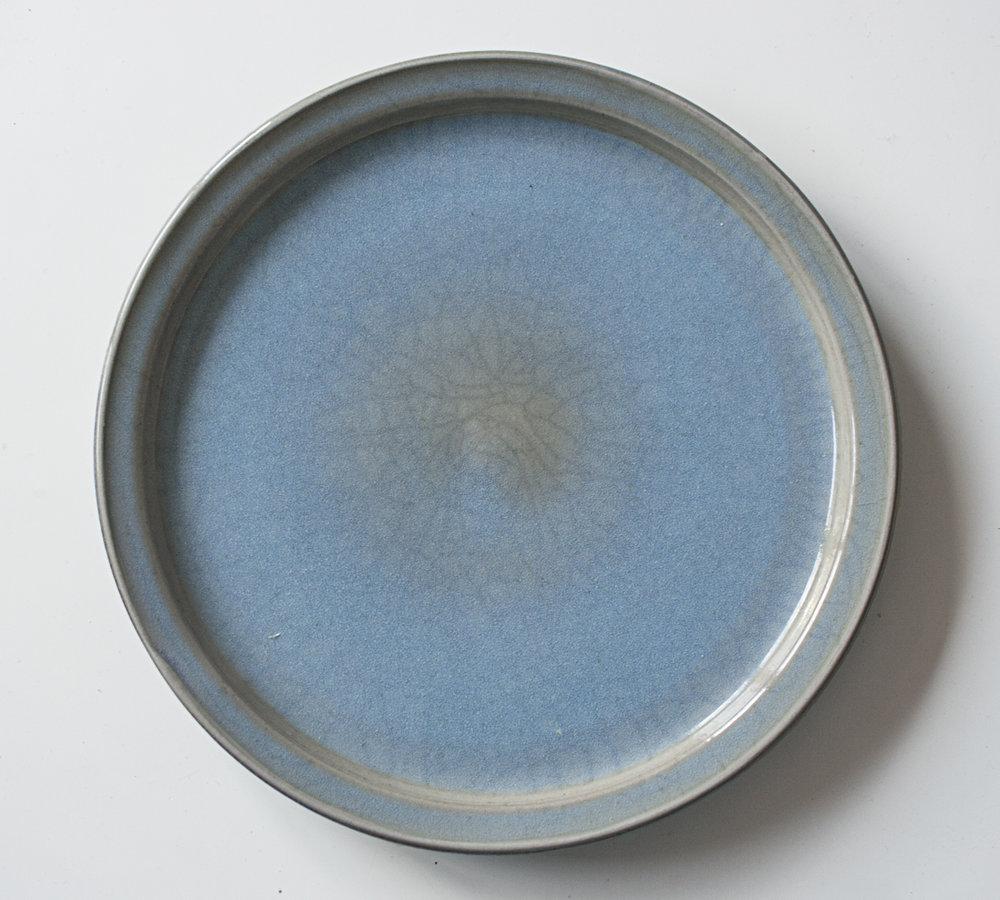 assiette en grès, bleu clair