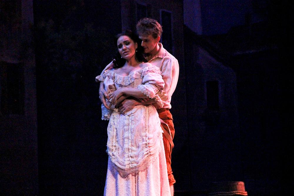 17__Knoxville Opera.jpg