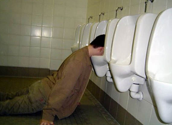 03-drunk-urinal.jpg