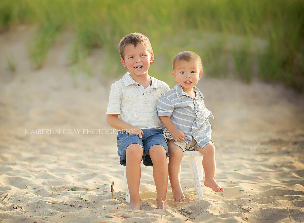 sibling beach poses Virginia Beach photographer