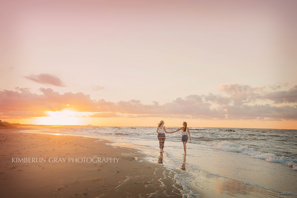 mother daughter beach photography