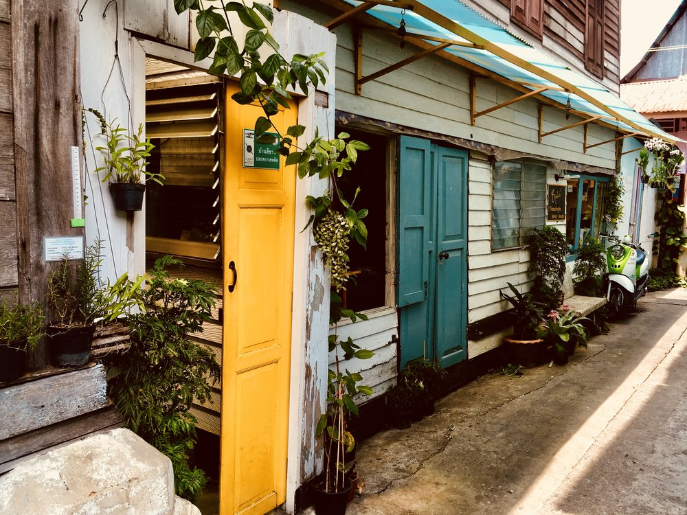 Get lost in Kudi Jeen's colorful alleys