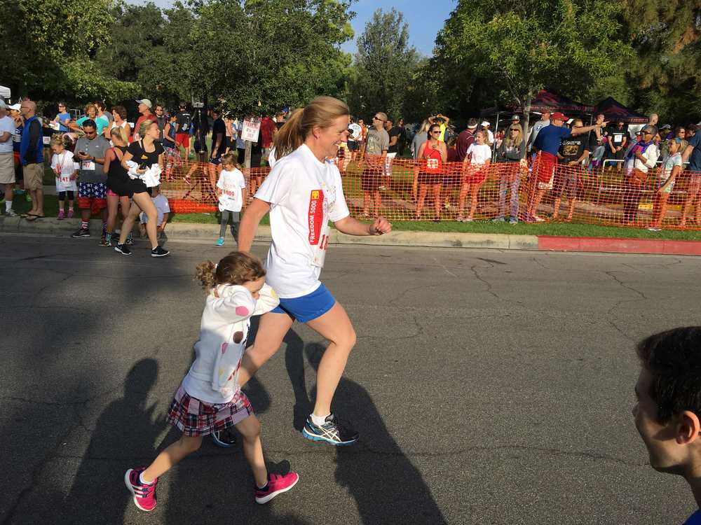 Shannon and Kate cruising toward the finish line.