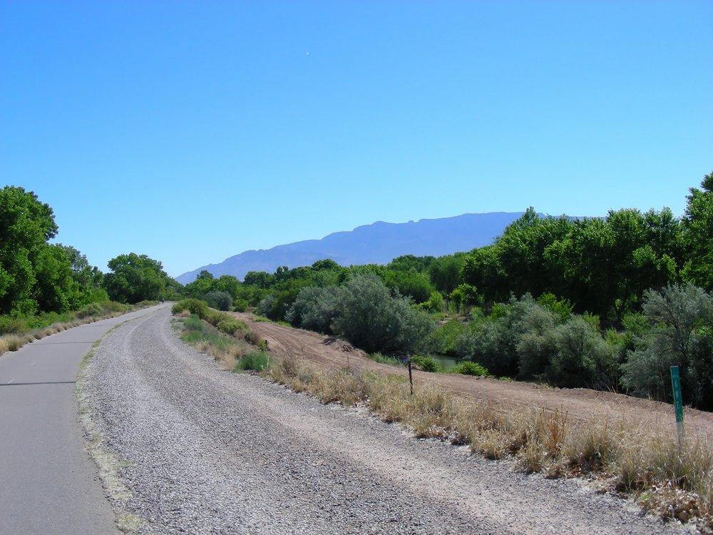 Paseo Del Bosque trail.