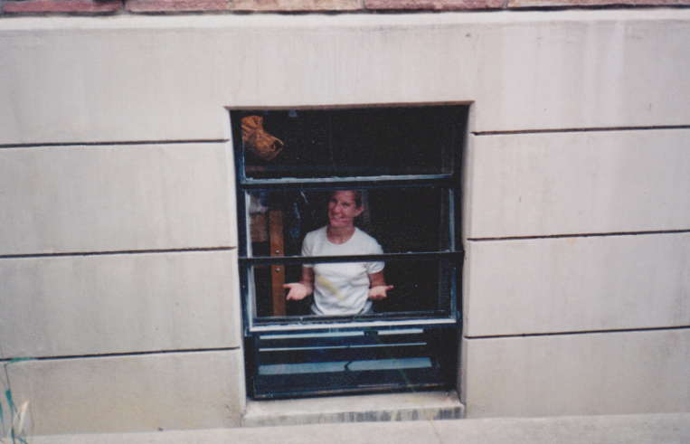 Move in day, 8/19/1997. Yes, I lived in the basement of our dorm, Libby. #LibbyPitt.:)