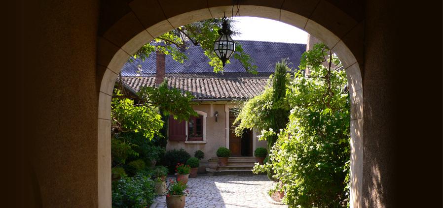 chateau-thivin-patrimoine-tradition.jpg