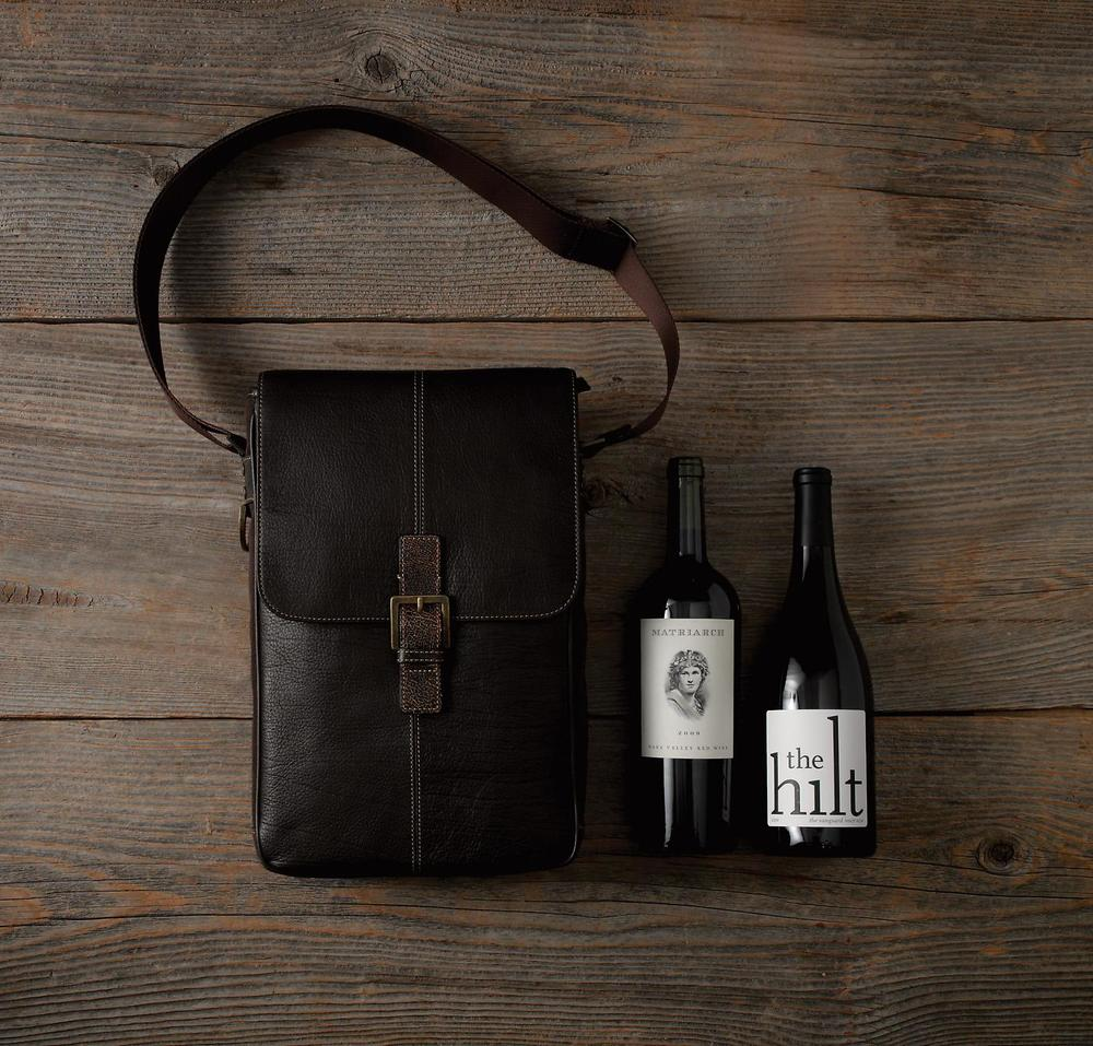 Amenities_Wine_Carrier_double0.jpg