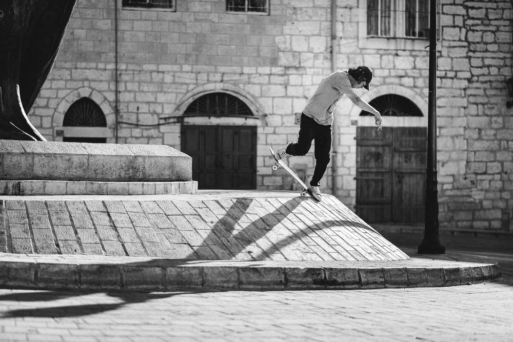 Sylvain Tognelli, BS nosebluntslide. Photo: Sam Ashley