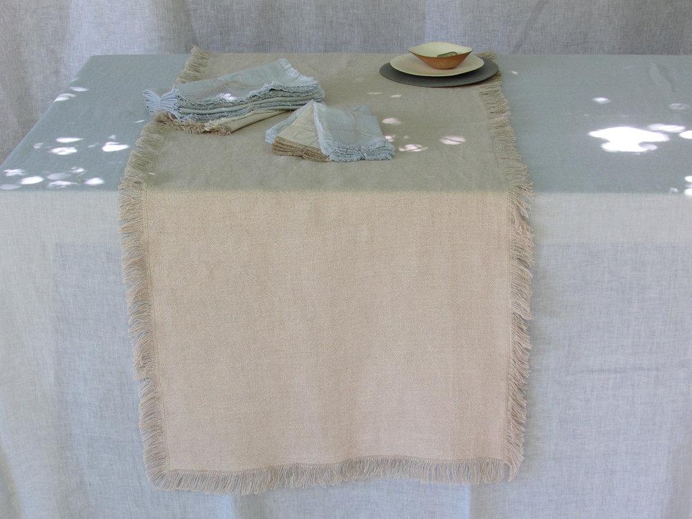 2. Table Colomba Living  .jpg