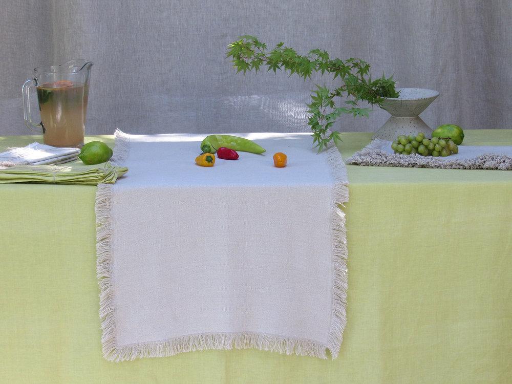 5. Table Colomba Living  .jpg