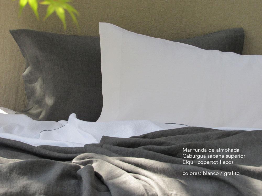 6. Colomba Living Bed description es .jpg