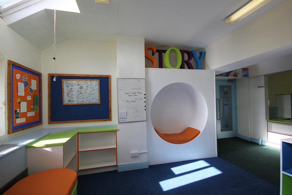 Fitted alcove story pod