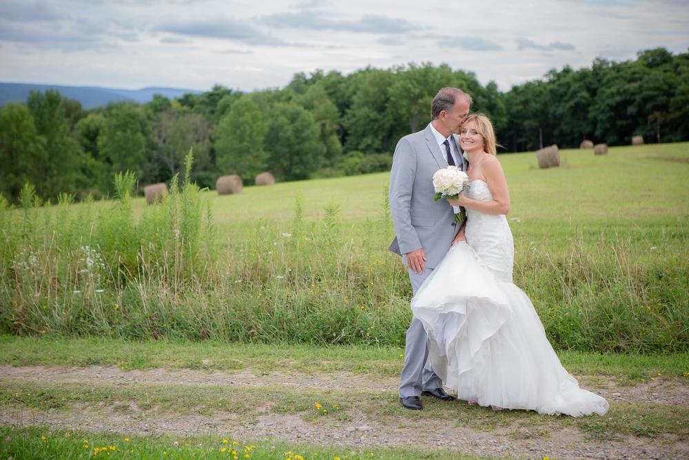 Keuka-lake-wedding-garret-chapel-14.jpg