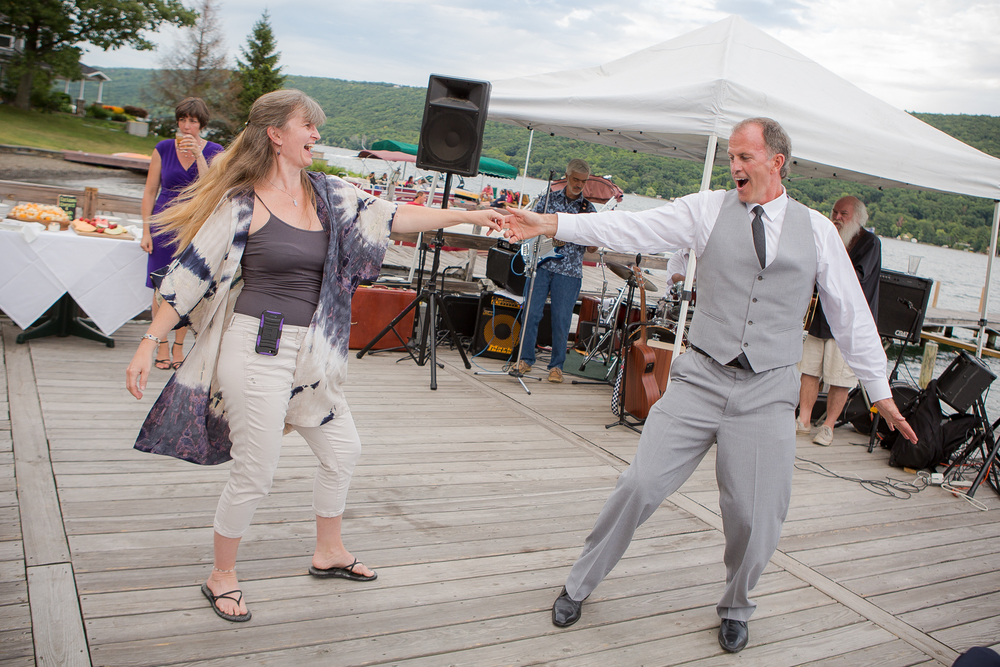 Keuka-lake-wedding-Lakeside-restaurant-&-Inn-22.jpg
