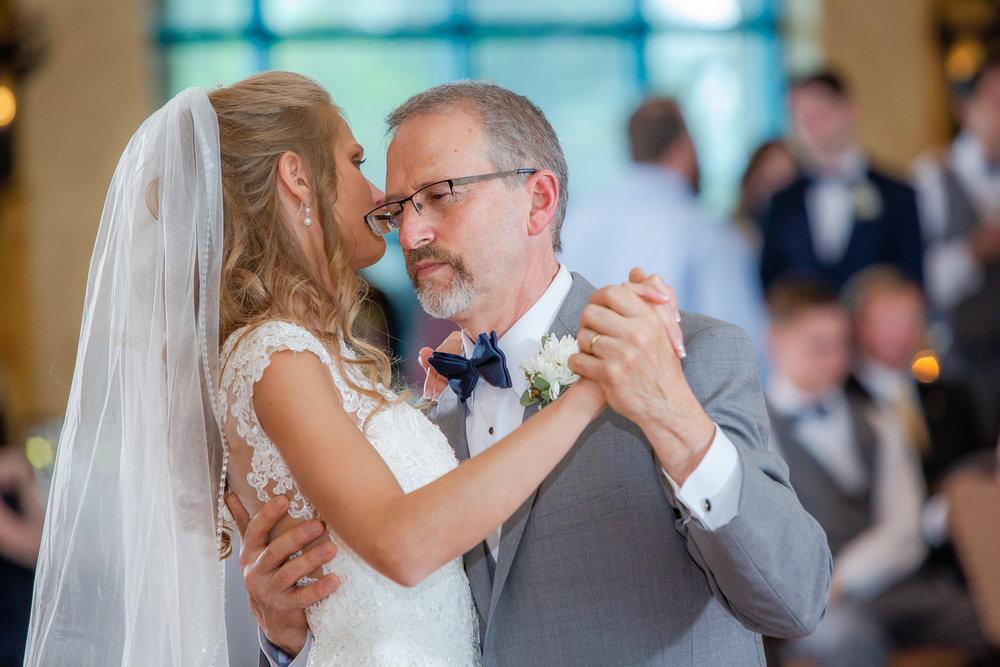 Ventosa-Vineyards-Geneva-NY-wedding-5578.jpg