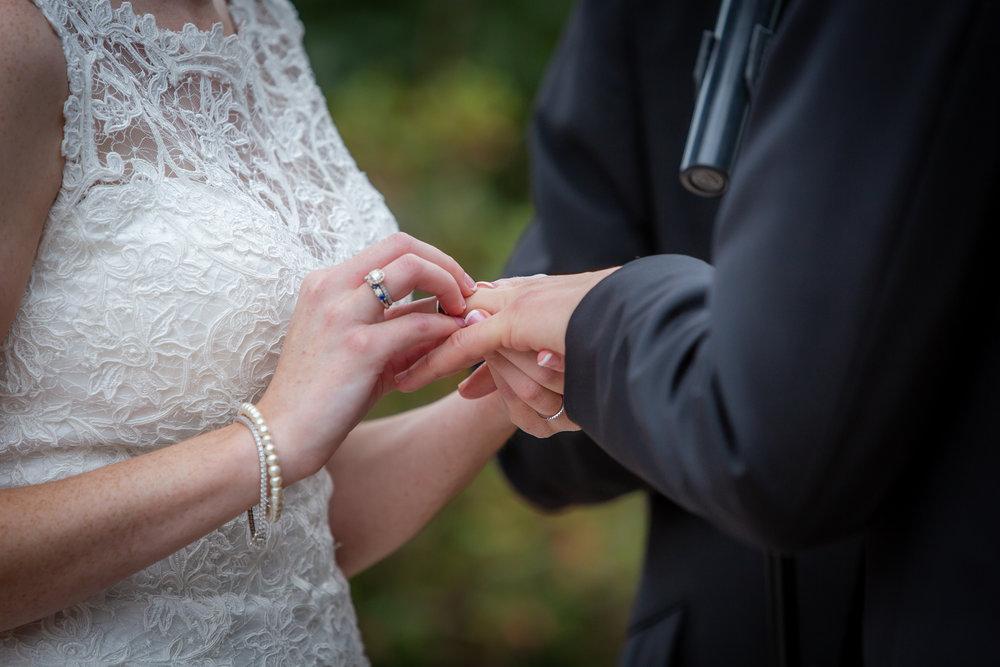 Deerfield-Country-Club-Wedding-5752.jpg