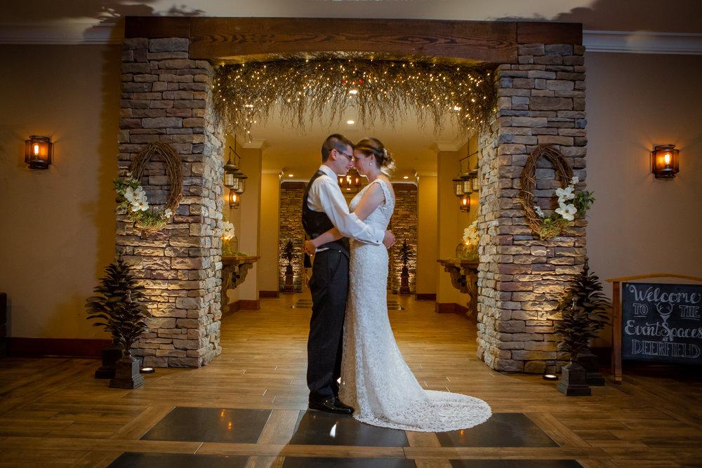Deerfield-Country-Club-Wedding-6395.jpg