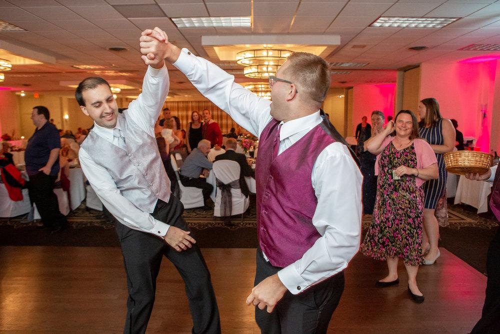 Holiday-Inn-Elmira-NY-Wedding-8329.jpg