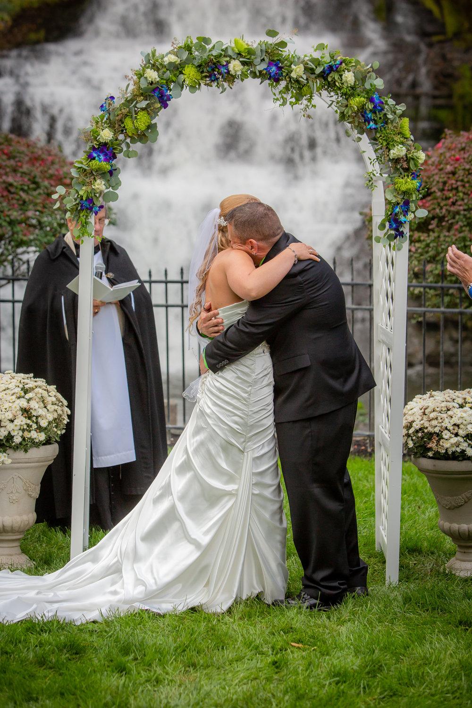 Raddison-Hotel-Corning-NY-Wedding-3910.jpg