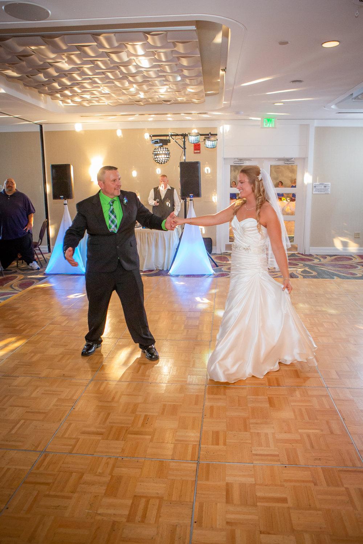Raddison-Hotel-Corning-NY-Wedding-4349.jpg