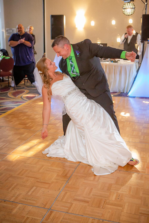 Raddison-Hotel-Corning-NY-Wedding-4350.jpg
