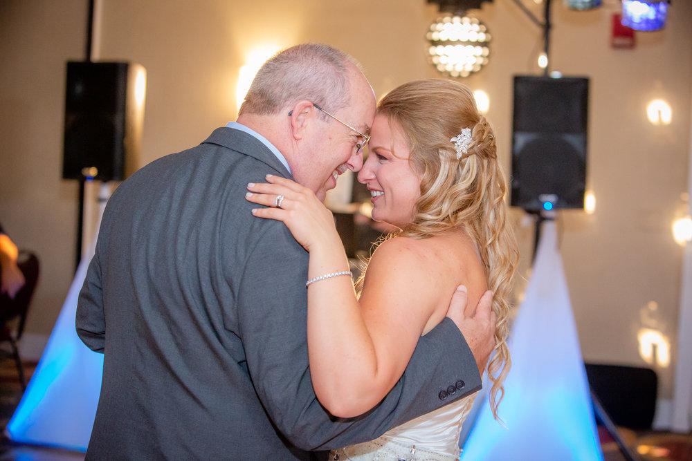 Raddison-Hotel-Corning-NY-Wedding-4444.jpg