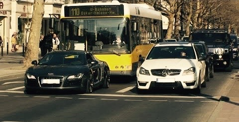 Meanwhile in Germany: Cars are duly leaving minimal gaps while waiting at a stop light.