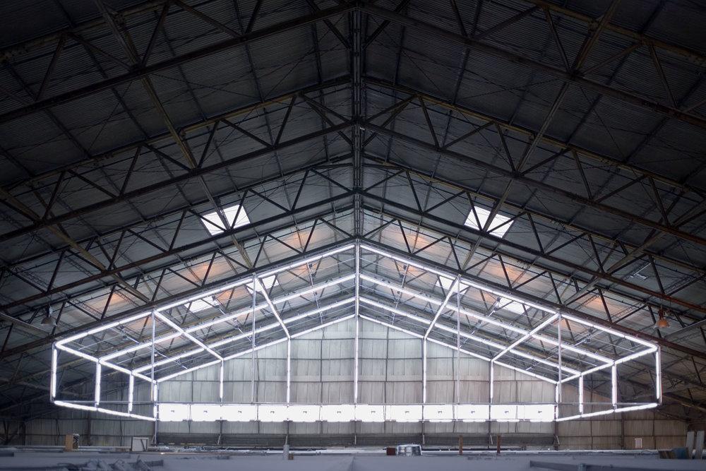 light-hangar-front-all-fluo.jpg