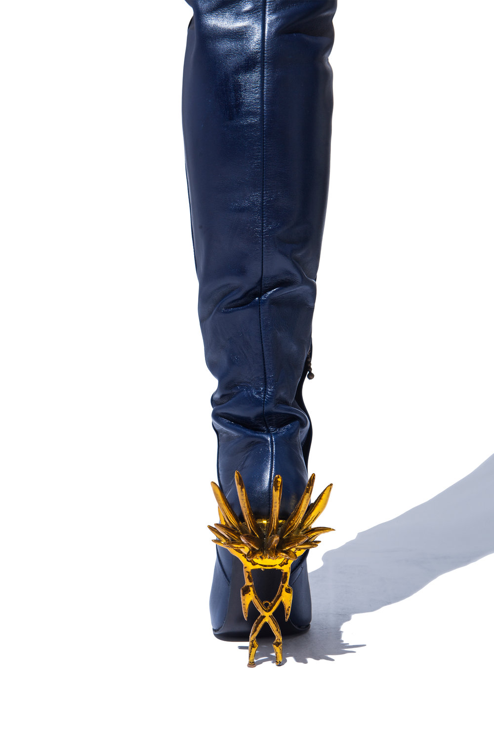 STILETTO AS WEAPON | 3D PRINTED THIGH HIGH BOOTS