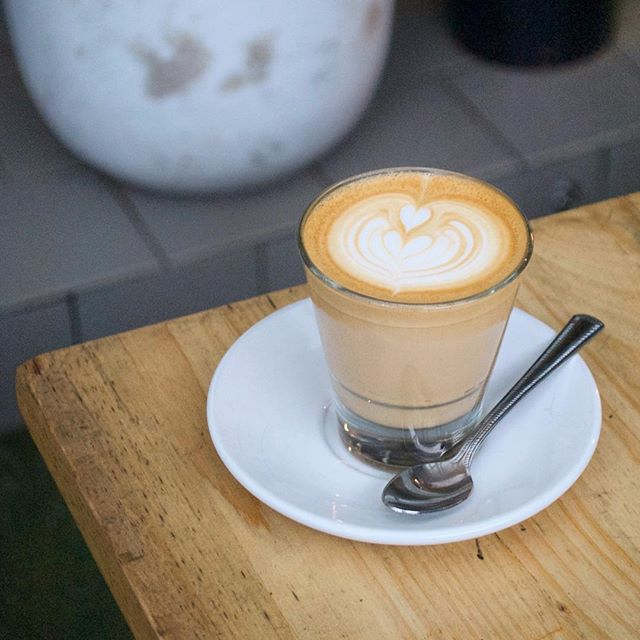 Thursdays looking good so far!☕️ . . . . . . #melbournecoffee#coffee#cafe#flatwhite#latte#coffeeart#latteart#instagood#instadaily#photooftheday#picoftheday#thursday#bringontheweekend#hospo#hospolife#love#follow#melbourne#melbournetravel#vscocam#melbournetrip#bentleigh#breakfast#breakfastinmelbourne#brunch#yolkporn