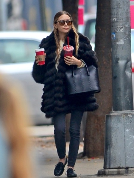 Olsens-Anonymous-Blog-Ashley-Olsen-Oversized-Fur-Coat-In-New-York-City-Nyc-Sunglasses-Denim-Stitch-Woven-Leather-Bag-Sneakers