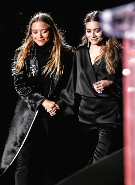Olsens-Anonymous-Blog-Style-Fashion-Get-The-Look-Cute-Shots-Of-Mary-Kate-And-Ashley-Olsen-Accepting-Their-CFDA-Award-Womenswear-Designer-Of-The-Year-The-Row-Black-Satin-Walking-To-Stag-1