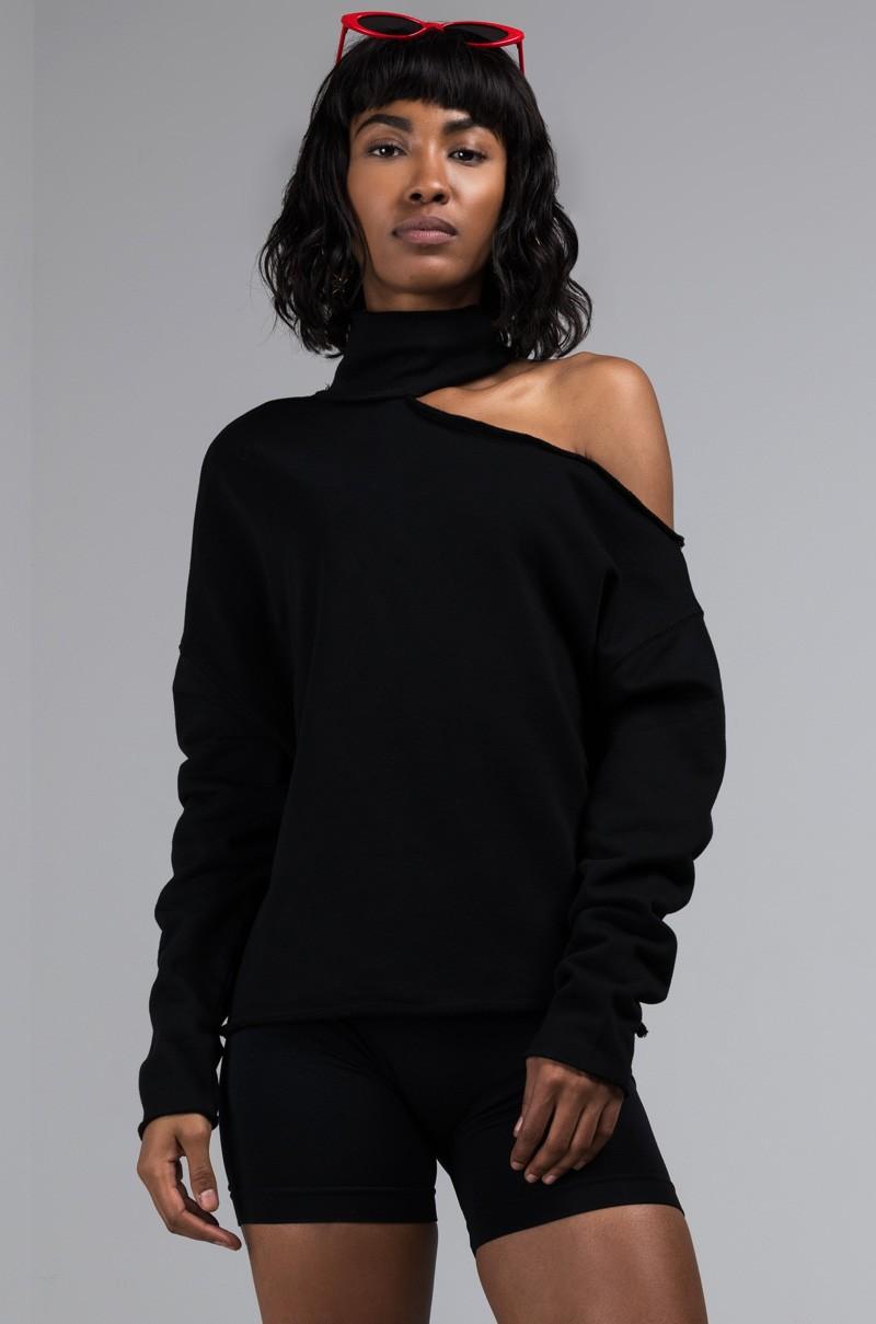 cut-out-turtleneck-sweatshirt_black_1.jpg