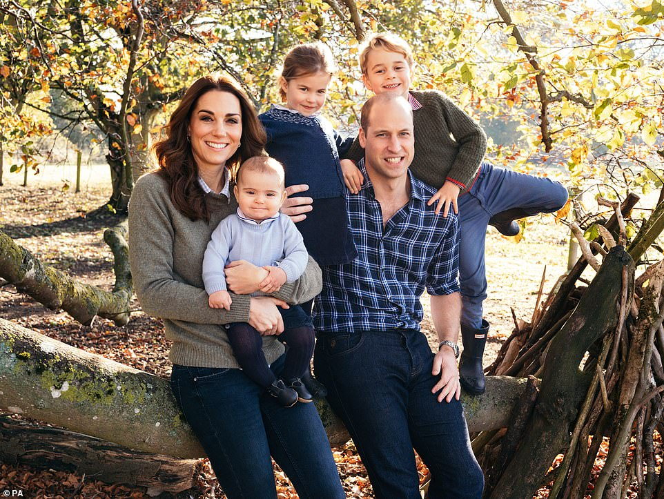 7423596-6495827-Princess_Charlotte_three_appears_in_the_Cambridges_new_Christmas-a-99_1544795641991.jpg