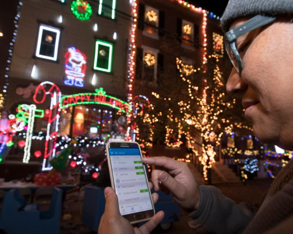 Samsung SmartThings now connects to Christmas lights. Credit: Samsung