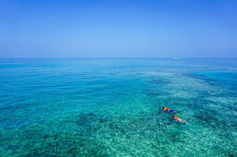 snorkeling-1209517_1280.jpg