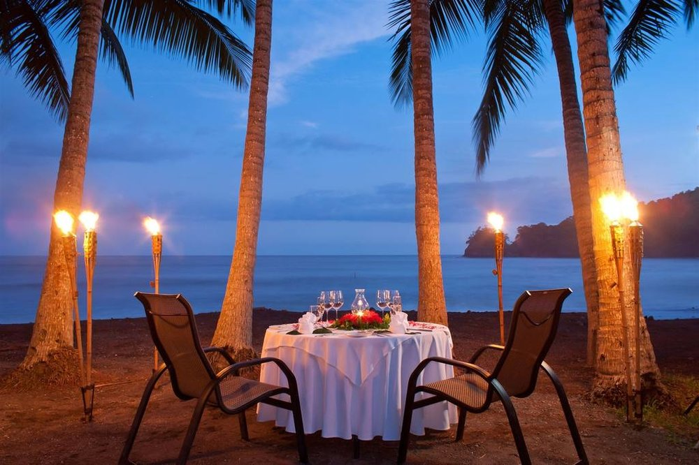 romantic-dinner-at-punta-islita-beach-3.jpg.1024x0.jpg