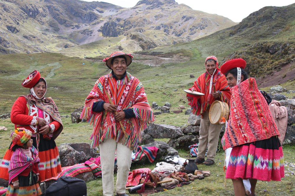 Peru_Tours_llama_blessing_ceremony2