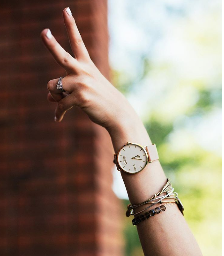 ARVO    |  Arvo watches is a minimalist lifestyle brand that believes everyone can make a difference. A portion of every sale helps somebody in need. Be good, Do good.