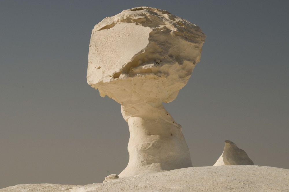 white-desert-657730_1920.jpg
