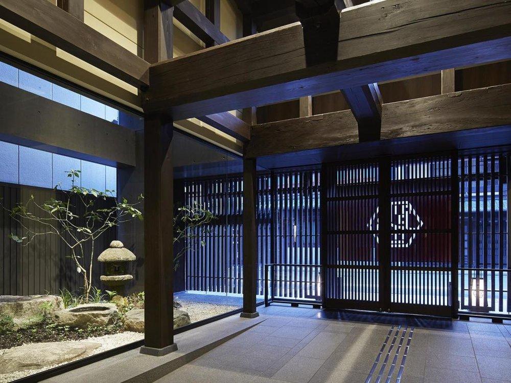 entrance Mitsui.jpg